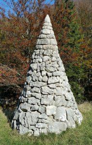 piramida-sinji-vrh